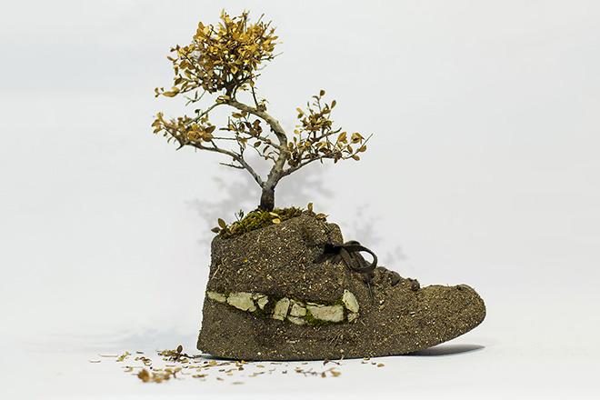 agac-kabuklari-ve-ciceklerden-yapilmis-nike-ayakkabilar-artmanik-6