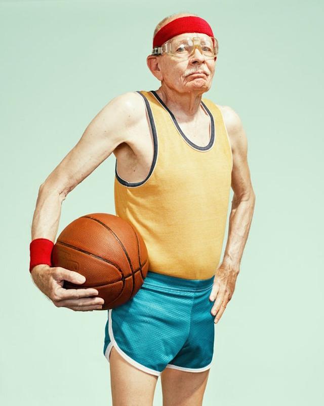 basketbol-oynayan-yasli-insanlarin-fotograf-serisi-artmanik-6