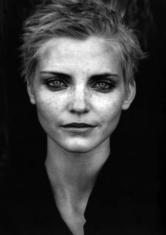 ikonik-bir-fotografcinin-supermodel-portreleri-artmanik-11