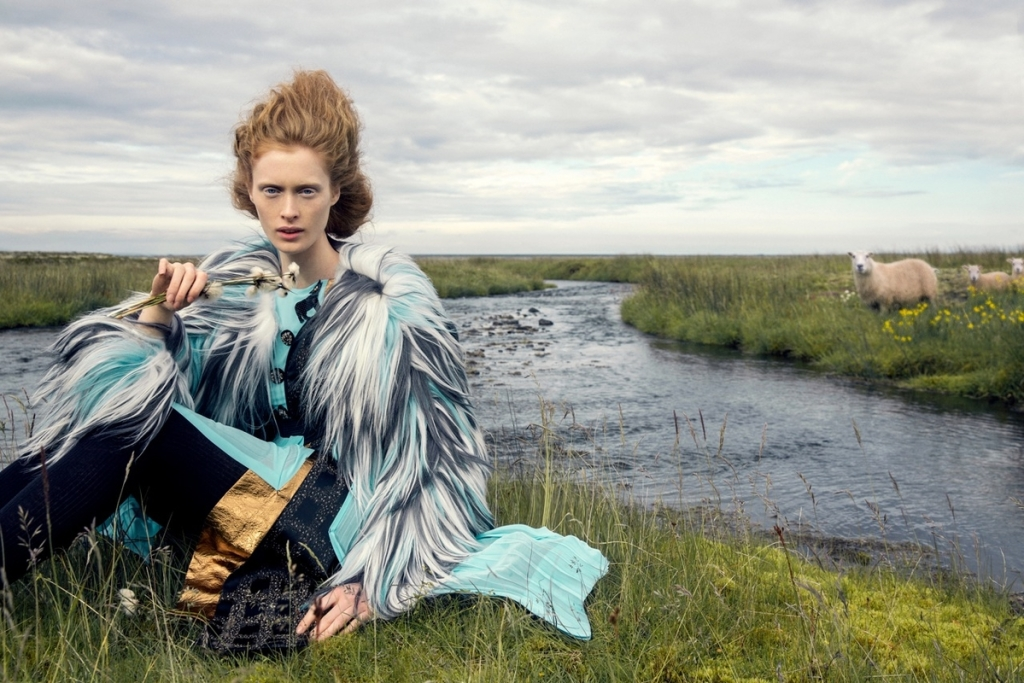 sineklerin-tanrisi-izlandadaki-moda-cekimine-ilham-veriyor-artmanik-2