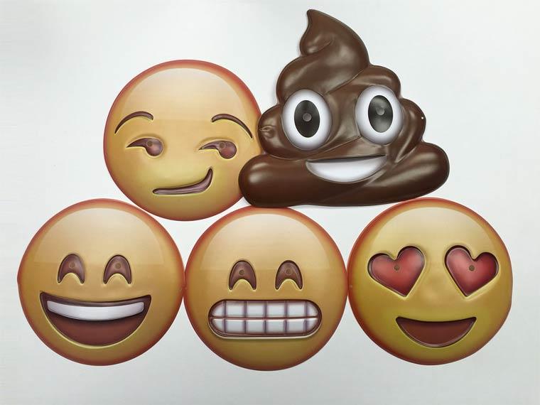 birbirinden-eglenceli-emojiler-artik-sokakta-artmanik-5