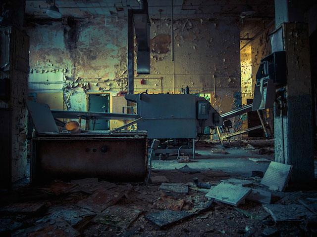 newyorkta-gizemli-ve-terkedilmis-bir-hastane-artmanik-3