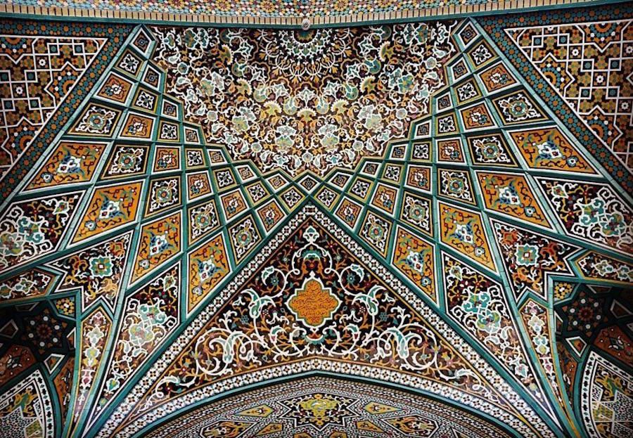 muhtesem-tavanlariyla-iran-mimarisi-camiler-artmanik-10
