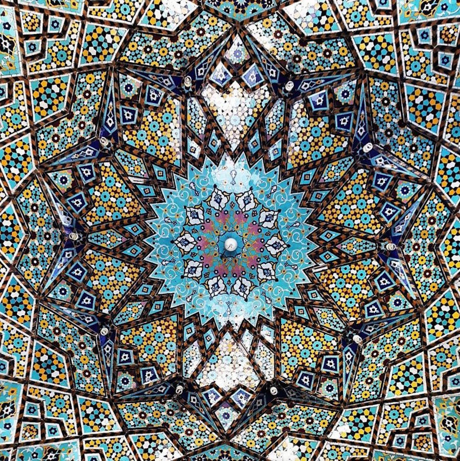 muhtesem-tavanlariyla-iran-mimarisi-camiler-artmanik-14