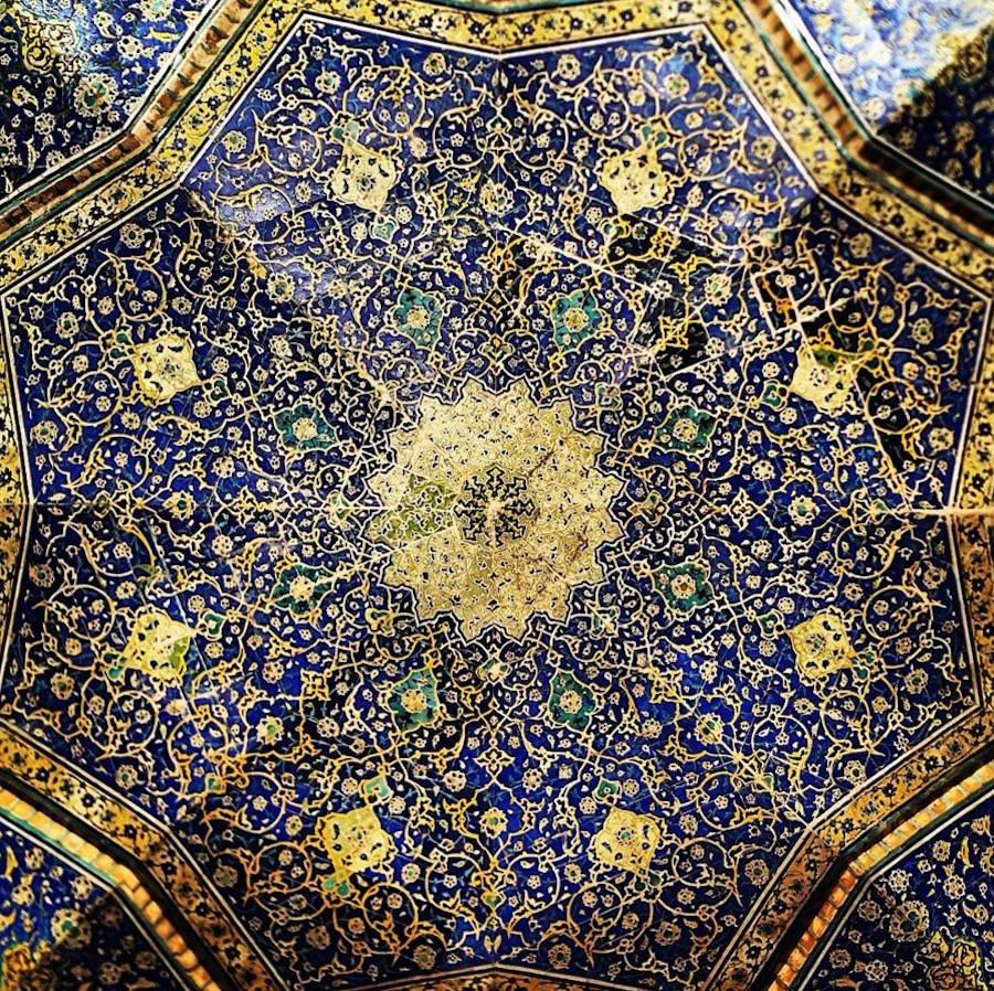 muhtesem-tavanlariyla-iran-mimarisi-camiler-artmanik-15