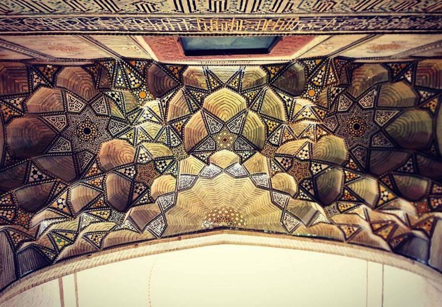 muhtesem-tavanlariyla-iran-mimarisi-camiler-artmanik-4