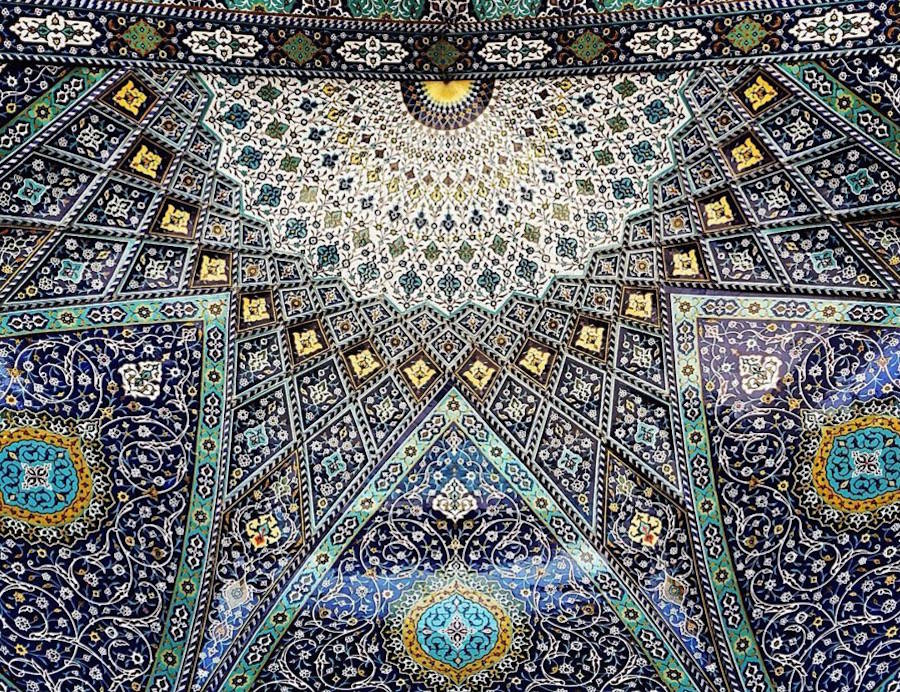 muhtesem-tavanlariyla-iran-mimarisi-camiler-artmanik-9